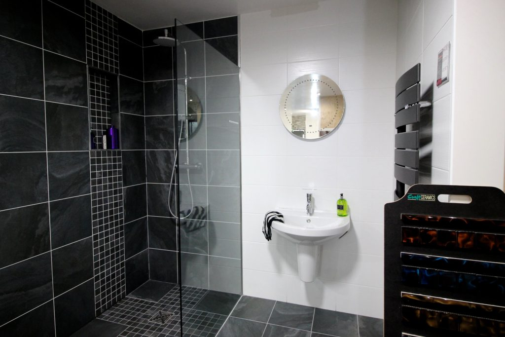 Standing Shower Black Tiles Glass